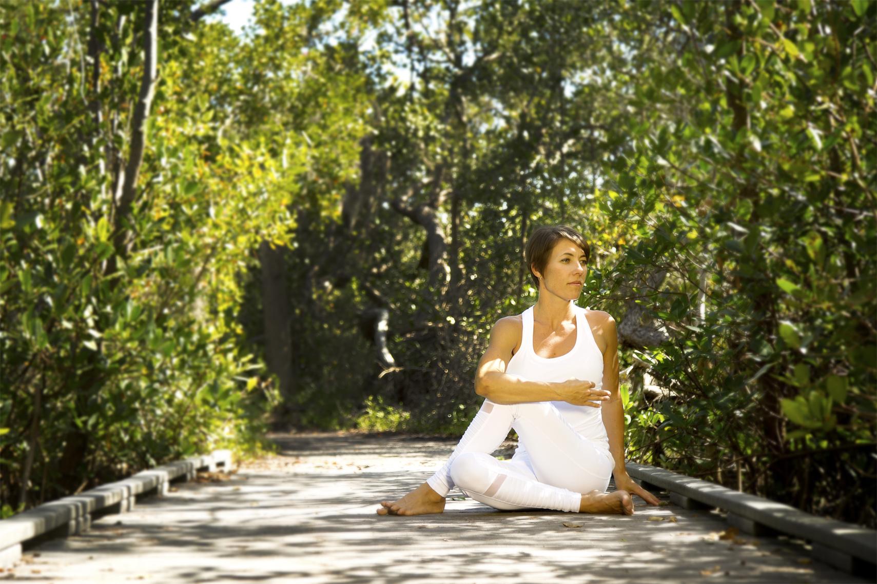 headshot_lifestyle_photography_sarasota_yoga_bridge