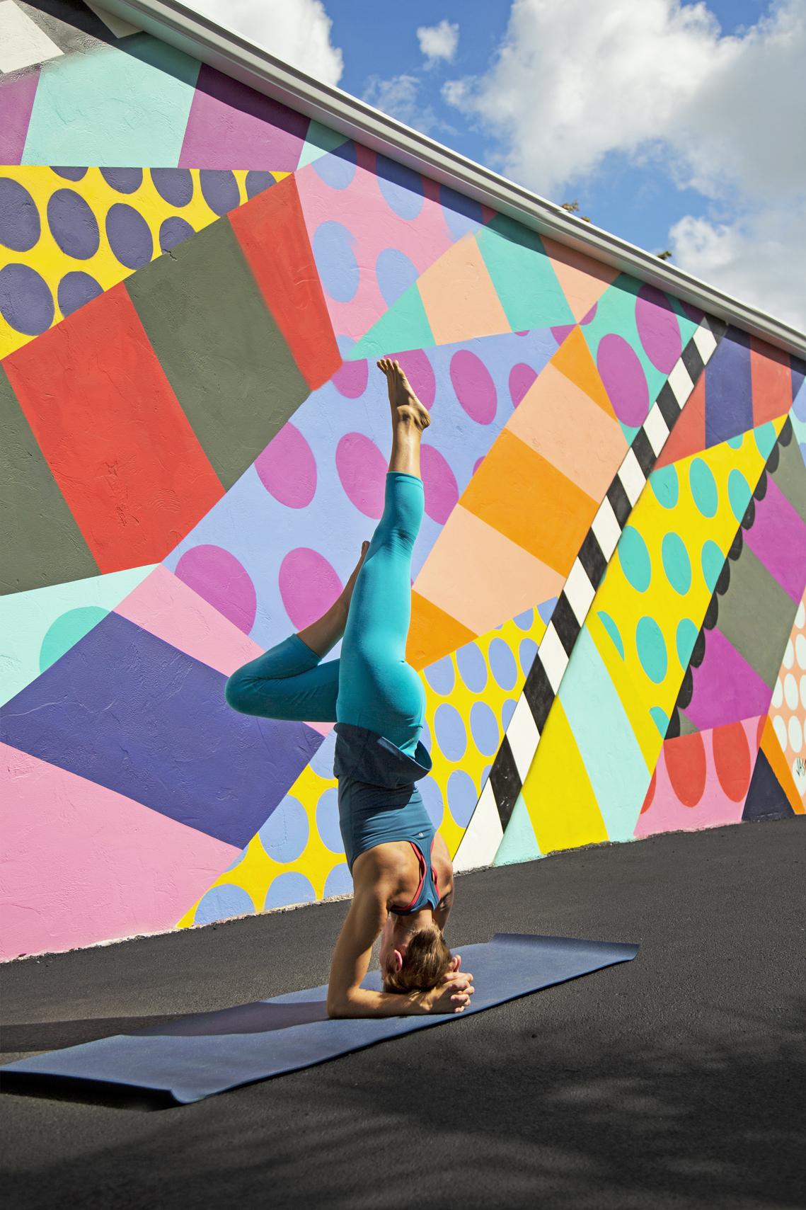 yoga_graffiti__handstand_sarasota_photography_pose