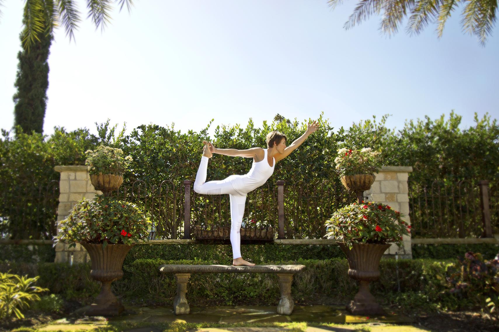 yoga_white_beautiful_sarasota_photography_pose
